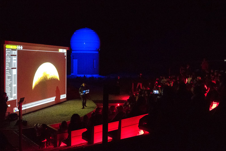 The Punt Avui talks about the first scholarship program of Albanyà Astronomical Observatory